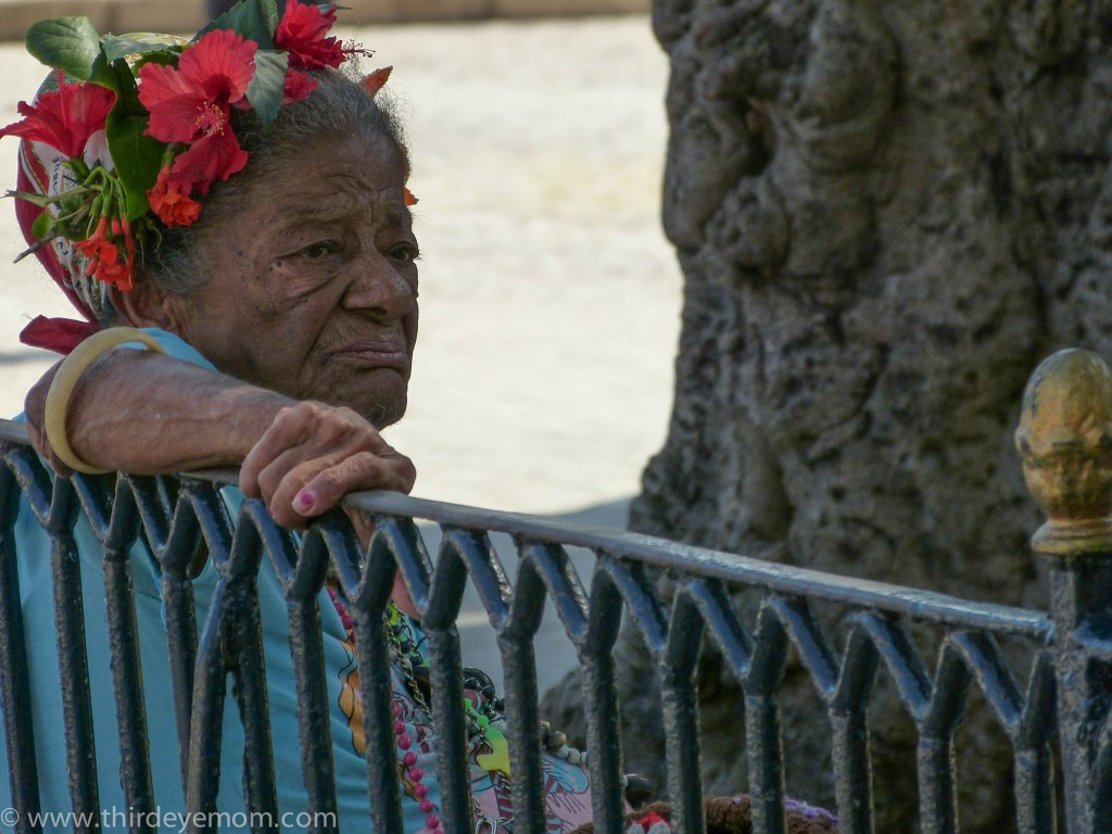 Woman in Plaza des Armas Havana